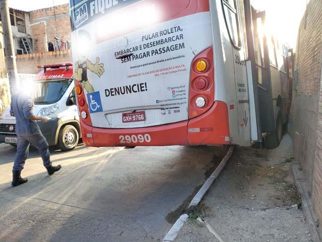 MG: Ônibus atropela homem em Justinópolis na manhã deste sábado
