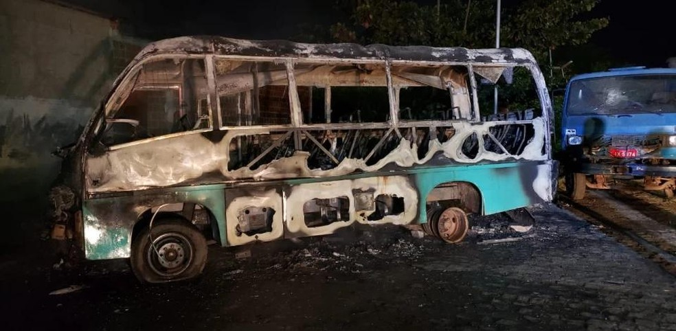 PE: Polícia prende homem que teria incendiado micro-ônibus em Caruaru
