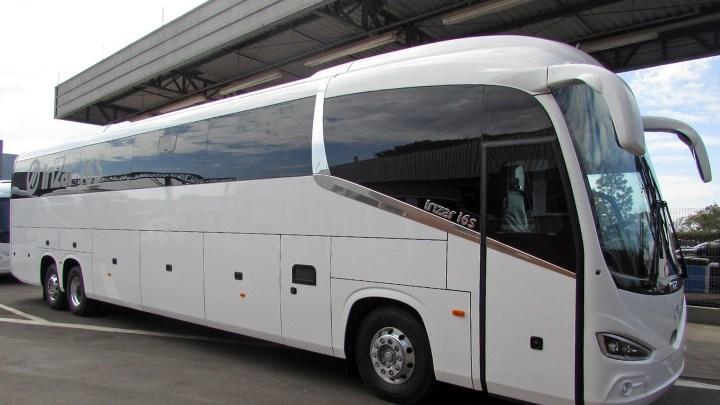 Equador recebe ônibus Irizar com chassi Mercedes-Benz 0-500