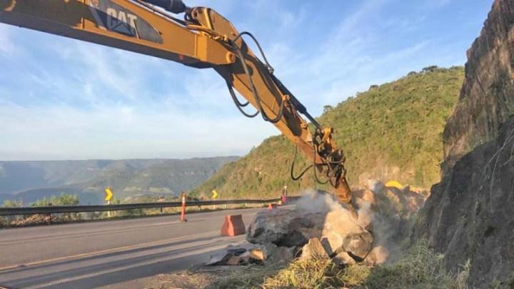 RS: Começa remoção das rochas na Rota do Sol em Itati