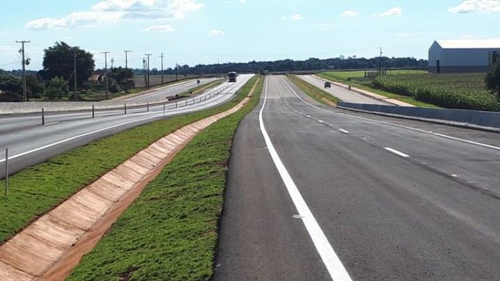 DNIT faz parceria com UnB visando aprimoramento da infraestrutura do país