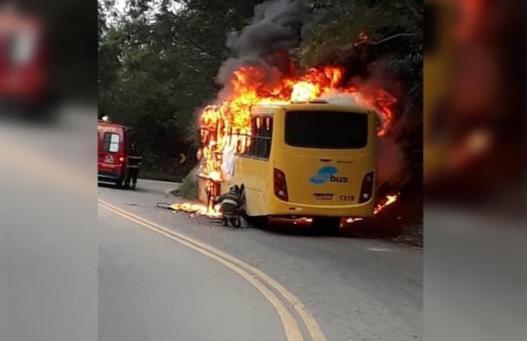 SP: Ônibus pega fogo na Rio x Santos em São Sebastião nesta sexta-feira 31