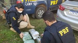 Vídeo: PRF prende três traficantes transportando skunk em ônibus na BR-116