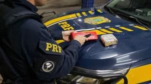 Vídeo: PRF prende traficante transportando entorpecentes na BR-290 em Caçapava do Sul