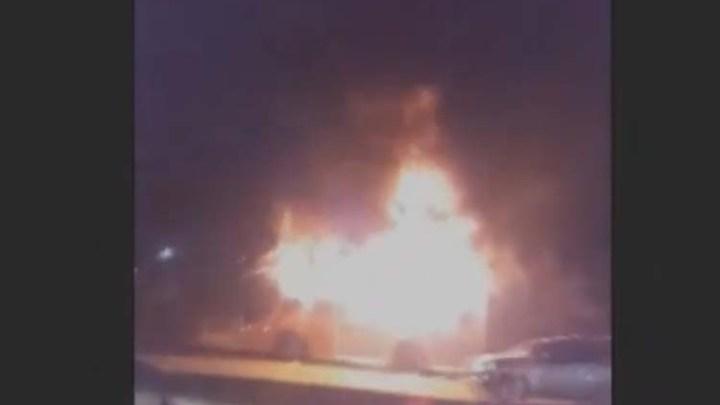 Vídeo: Ônibus são incendiados na Zona Oeste  durante protesto com dois baleados em São Paulo