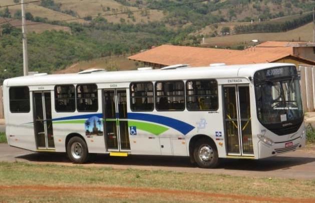 MG: Viação Pássaro Branco é notificada por circular com ônibus lotados em Patos de Minas