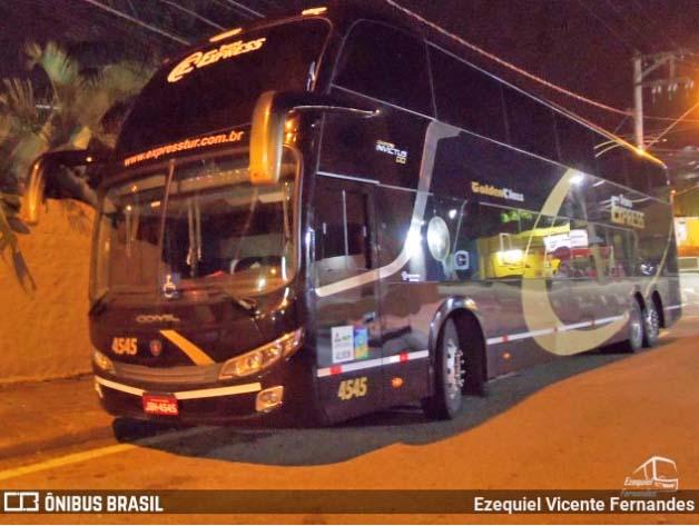 Inter desembarca de ônibus em Caxias do Sul para o Gre-Nal 425