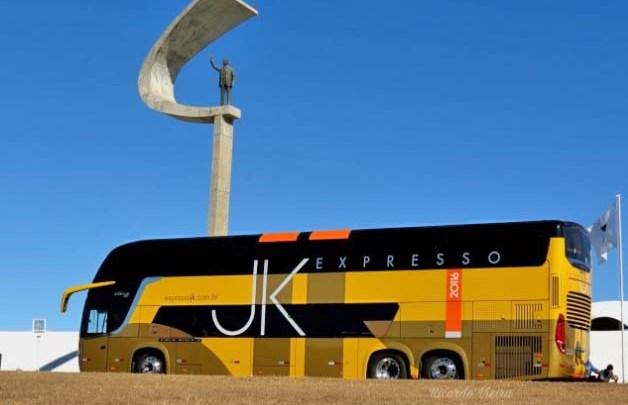 Expresso JK renova parte da frota com o moderno Comil Invictus DD Volvo