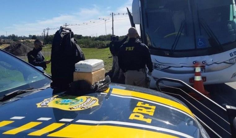 RS: PRF prende passageiro de ônibus com cerca de 6 quilos de entorpecente na BR-386