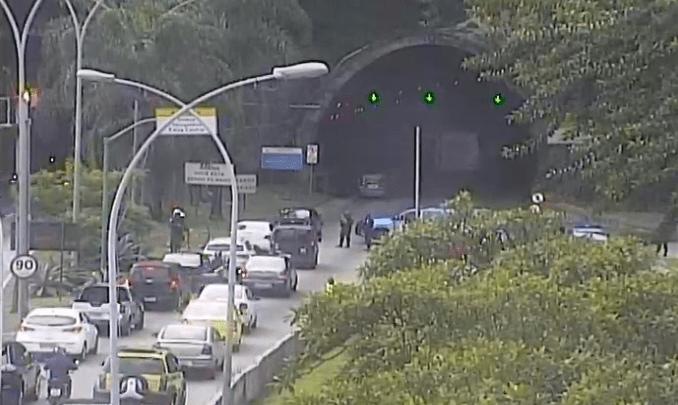 Rio: Tiroteio no entorno do Túnel Rebouças no início desta tarde, gera pânico na Zona Sul