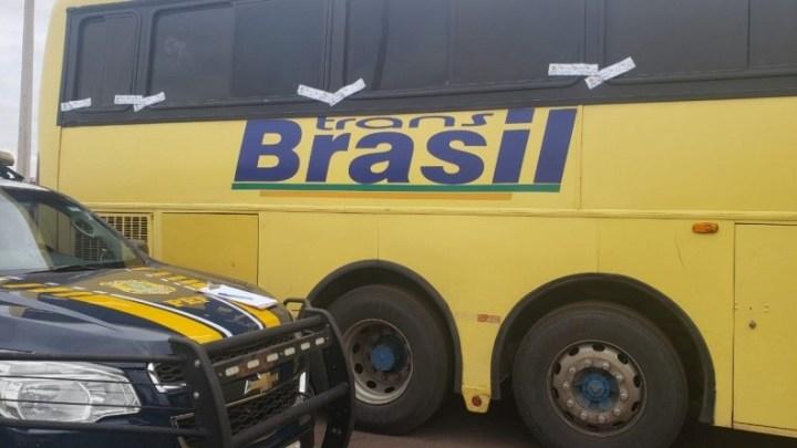 Vídeo: PRF apreende ônibus da TransBrasil com  mercadorias do Paraguai na BR-153