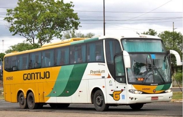 Vídeo: PRF apreende skunk em bagagem de ônibus da Gontijo na BR-364 em Rondonópolis
