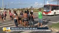 Moradores de Maceió realizam protesto por melhorias no transporte