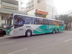 Salvador faz testes com ônibus trucado para o serviço do BRT