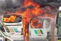 Vídeo: Incêndio destrói ônibus da Turismo Romero em Paulínea/SP