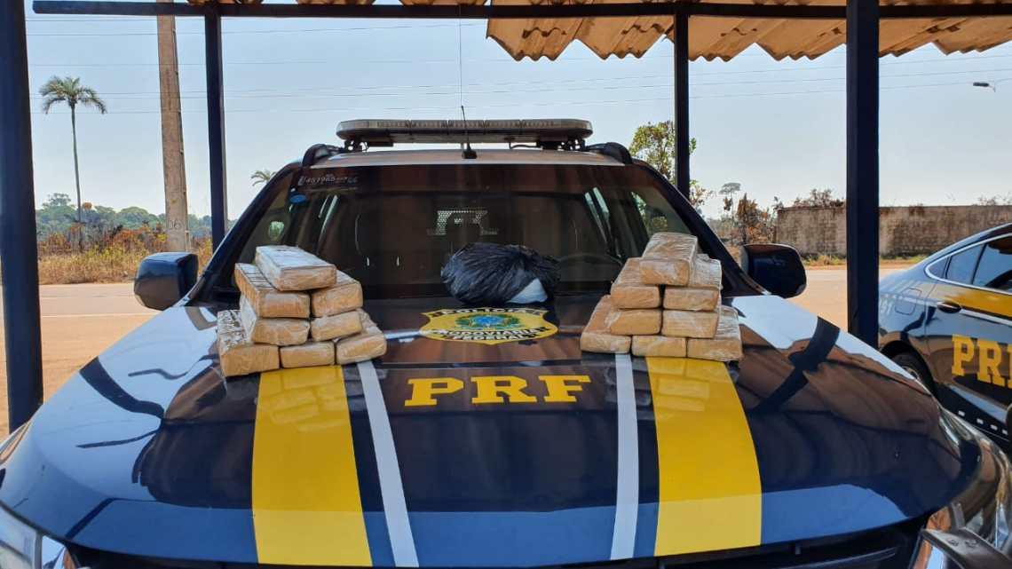 Vídeo: PRF encontra 16 kg de entorpecentes em bagagem de passageira de ônibus na BR-364