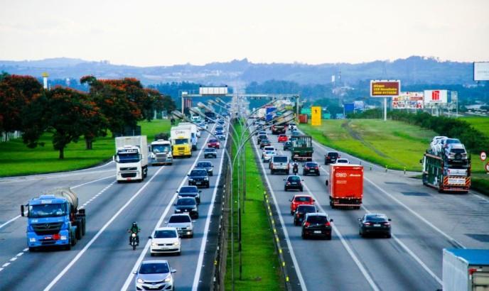 PRF informa que acidentes envolvendo ônibus têm redução na Via Dutra