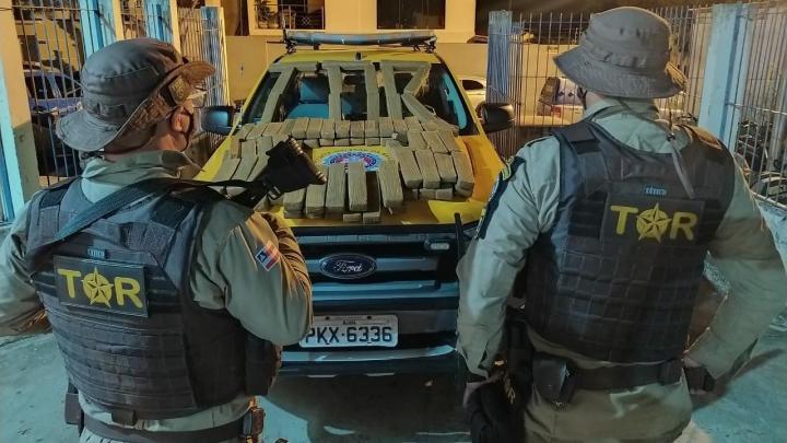 BA: Polícia Rodoviária apreende 73 quilos de entorpecentes em ônibus BR-030