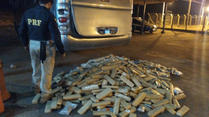 Vídeo: Polícia Rodoviária Federal apreende 990,7 Kg de entorpecentes na BR-060