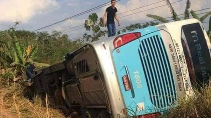 PA: Ônibus da Real Maia tomba em rodovia em Curionópolis, diz canal