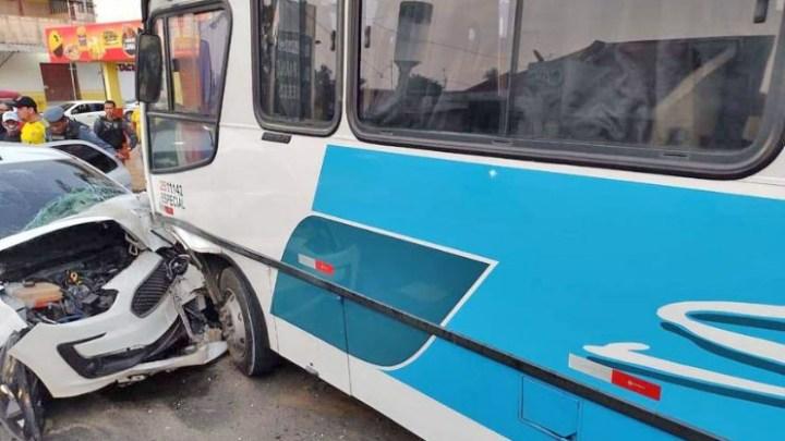 Manaus: Marginal que participou de assalto na Zona Norte acaba preso após colidir com micro-ônibus