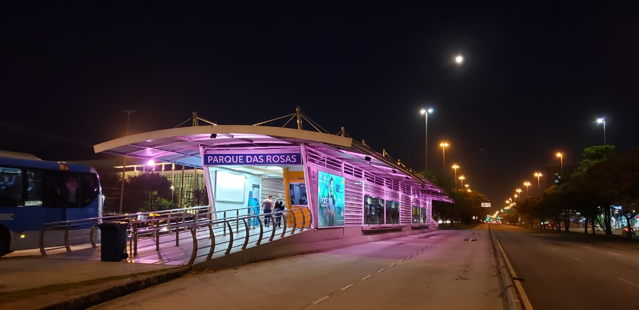 Vídeo: BRT Rio terá iluminação especial para marcar o Outubro Rosa