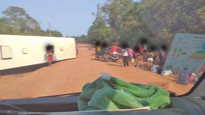 Santarém: Ônibus tomba na Rodovia Translago deixando vários feridos