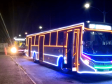 SP: Bertioga já possui ônibus com decoração natalina circulando