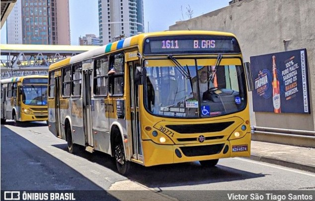 Salvador: Marginais trocam tiros com policiais na região da Estação Pirajá durante assalto a ônibus