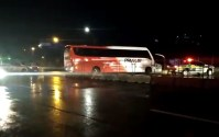 Vídeo: Fiscalização da ANTT apreende 16 ônibus neste sábado na Via Dutra no Sul Fluminense