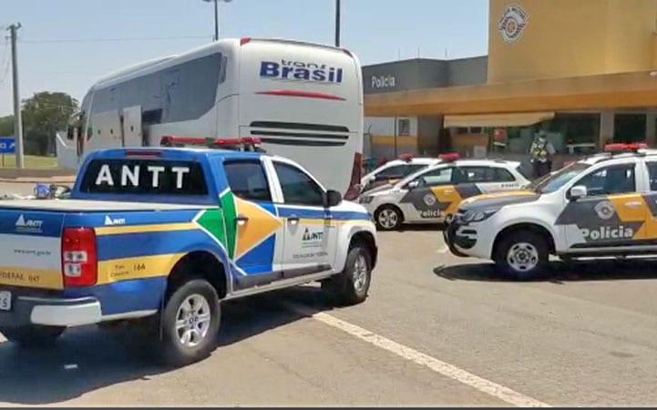 SP: Fiscalização da ANTT apreende ônibus em situação irregular neste domingo – Vídeo
