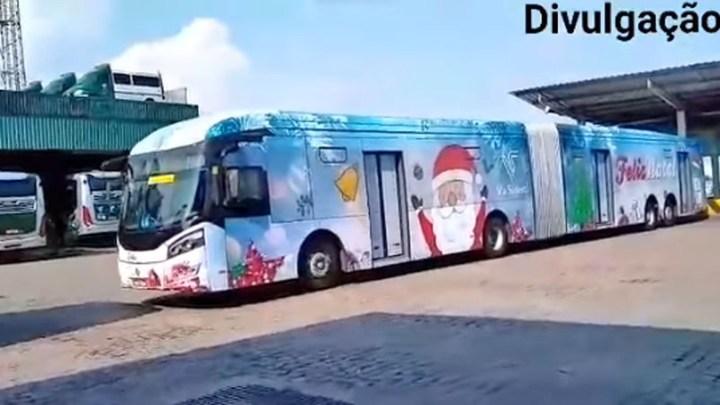 São Paulo: Empresas de ônibus já começam decorar seus ônibus para o Natal
