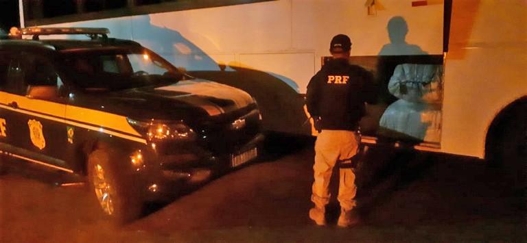 Ação conjunta da PRF e PM apreende mercadoria sem documentação fiscal no sertão paraibano