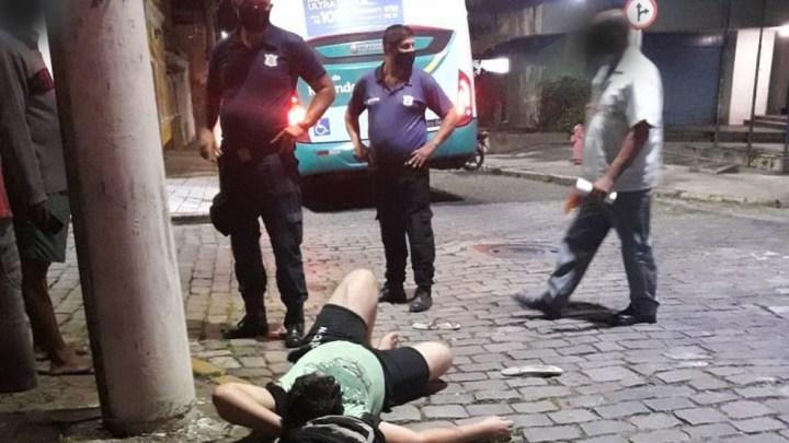 RJ: Ciclista acaba atropelado por ônibus no Centro de Resende