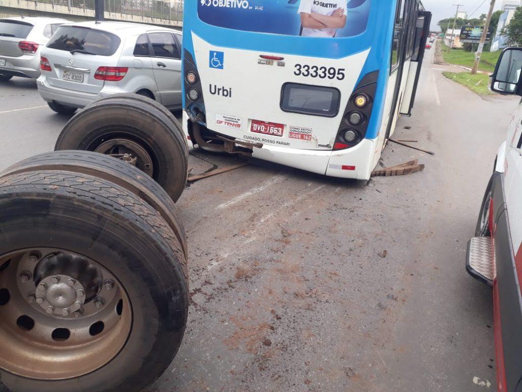 DF: Roda de ônibus da Viação Urbi se solta e deixa feridos em Taguatinga