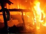 Belo Horizonte: Cinco ônibus e um caminhão acabam destruídos por incêndio na Zona Oeste