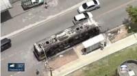 São Paulo: Ônibus fica destruído por incêndio na Zona Leste nesta segunda-feira - Vídeo