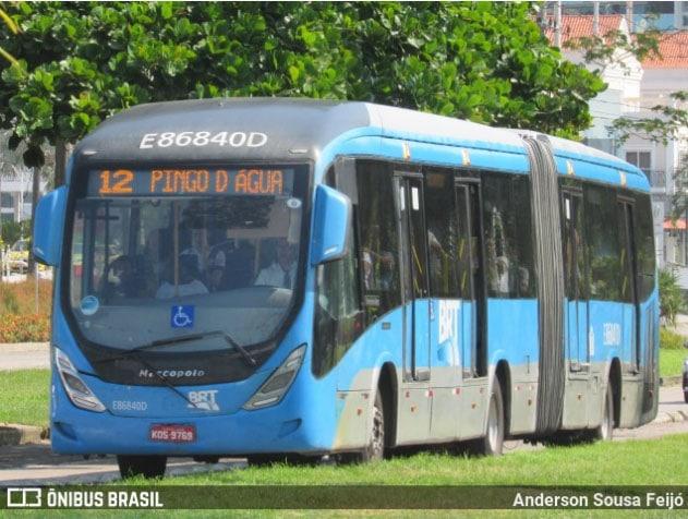 Vídeo: BRT Rio segue com filas e aglomerações na tarde desta quinta-feira