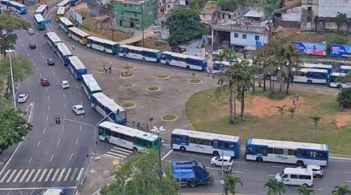 Rodoviários de Salvador realizam paralisação na Estação da Lapa nesta segunda-feira