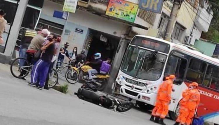 MG: Acidente entre ônibus e moto deixa um ferido em Barbacena nesta tarde