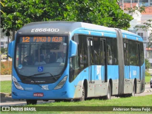 Rio: Ônibus do BRT tem dois pneus furados na Zona Oeste nesta quinta-feira