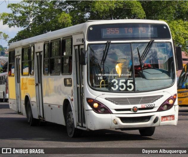 Manaus: Polícia prende homem após assaltar passageira em ponto de ônibus