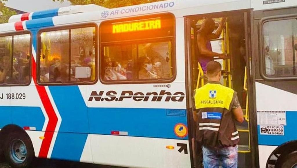 Rio: Detro multa Viação Nossa Senhora da Penha por superlotação