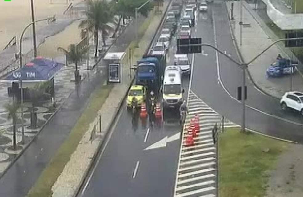 Rio: Avenida Niemeyer é reaberta, após bloqueio pela manhã