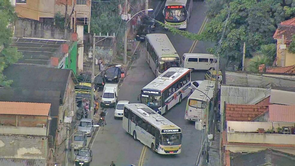 Rio: Tiroteio em São Cristóvão faz ônibus alterar rota por conta da violência