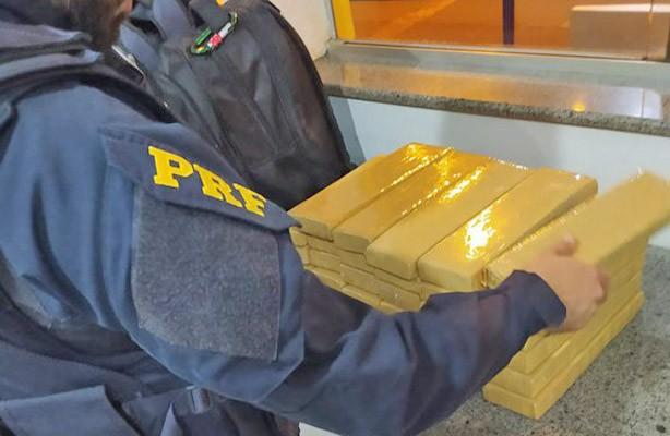 MS: PRF localiza 30 kg de entorpecente com passageiros de ônibus na BR-163 em Rio Brilhante