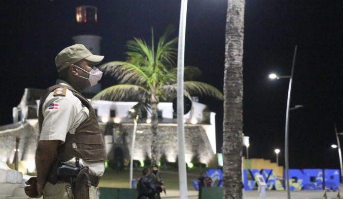 Toque de Recolher na Bahia seguirá até o dia 8 de março. Ônibus ainda seguem com restrições