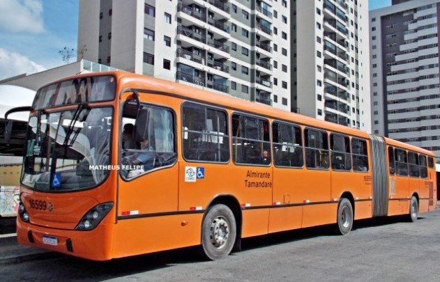 PR: Justiça reconhece obrigação da Comec em autuar empresas em casos de superlotação nos ônibus