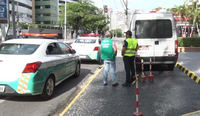 Fortaleza inicia operação para coibir a circulação de ônibus e vans com finalidades turísticas