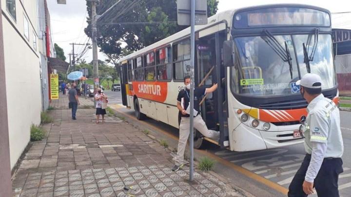 MG: Prefeitura de Ipatinga flagra ônibus desrespeitando decreto de combate a Covid-19
